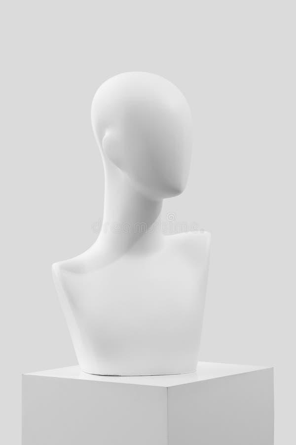 Mannequin sur un fond clair image libre de droits