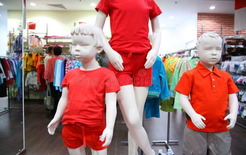 Mannequins d'enfant dans la mémoire photographie stock