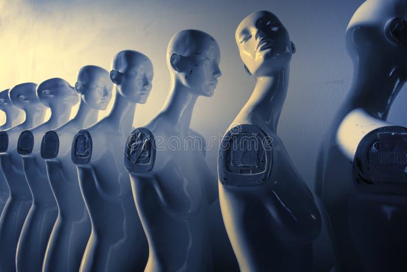Mannequins de femme se tenant dans la ligne dans la fonte bleue et jaune de couleur images libres de droits