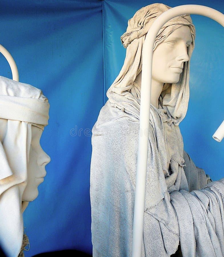 Mannequins vestidos em Christma imagens de stock