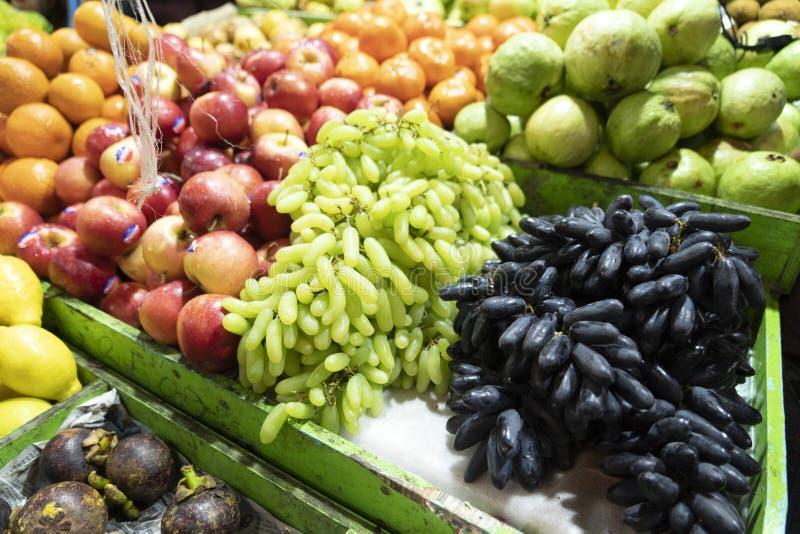 Mannes-Malediven-Obst und Gemüse Markt stockfoto