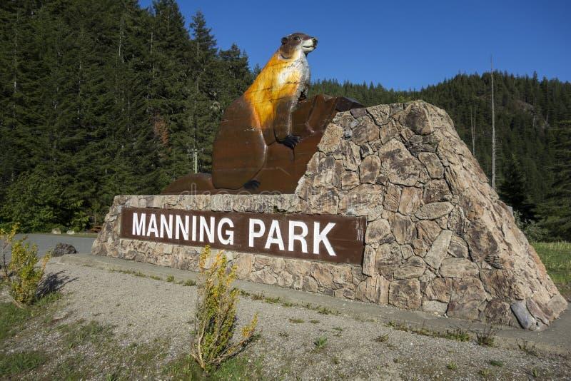 Manning Provincial Park Entrance Table British Columbia Kanada royaltyfri fotografi