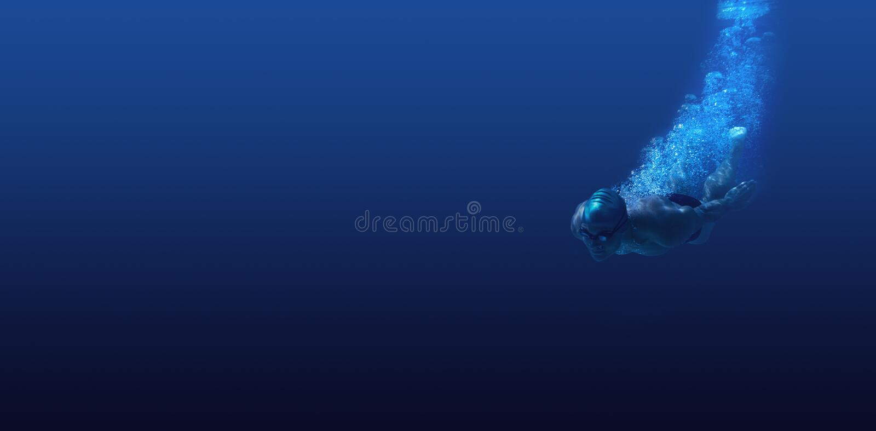 Mannschwimmen im blauen Wasser lizenzfreies stockbild