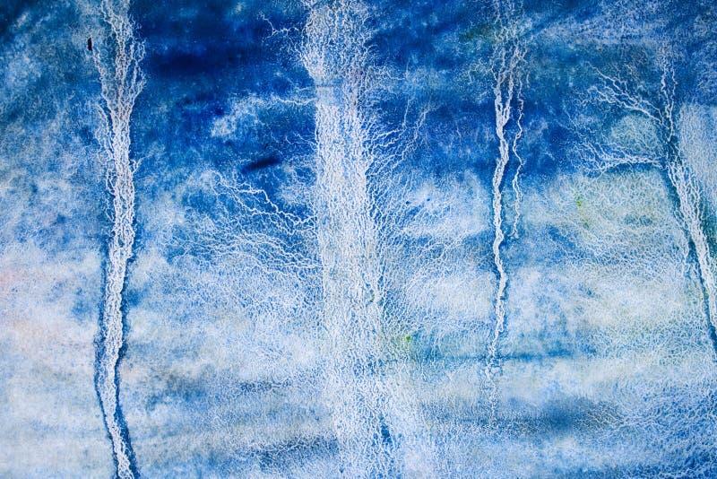 Mano azul de la acuarela dibujada para el diseño del texto, web Elemento frío abstracto de la textura del grano del papel de la imagenes de archivo