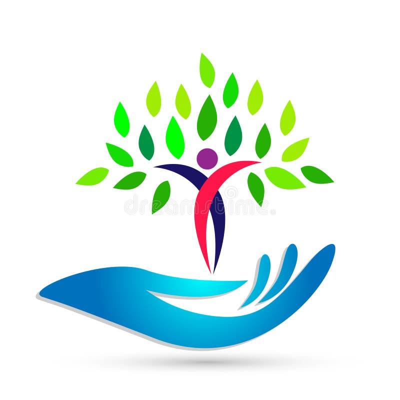 Mano che tiene l'icona medica di logo dell'albero di benessere umano di sanità su fondo bianco illustrazione di stock