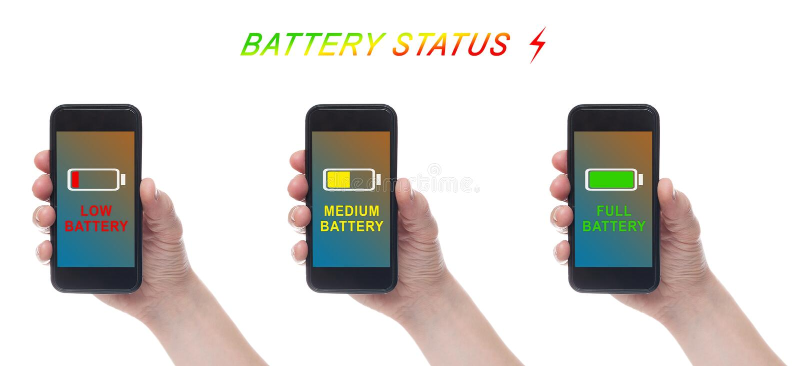 Mano che tiene Smartphone nero con lo schermo in bianco su backgroun bianco Indicatore di carica della batteria Caricare batteria fotografia stock libera da diritti
