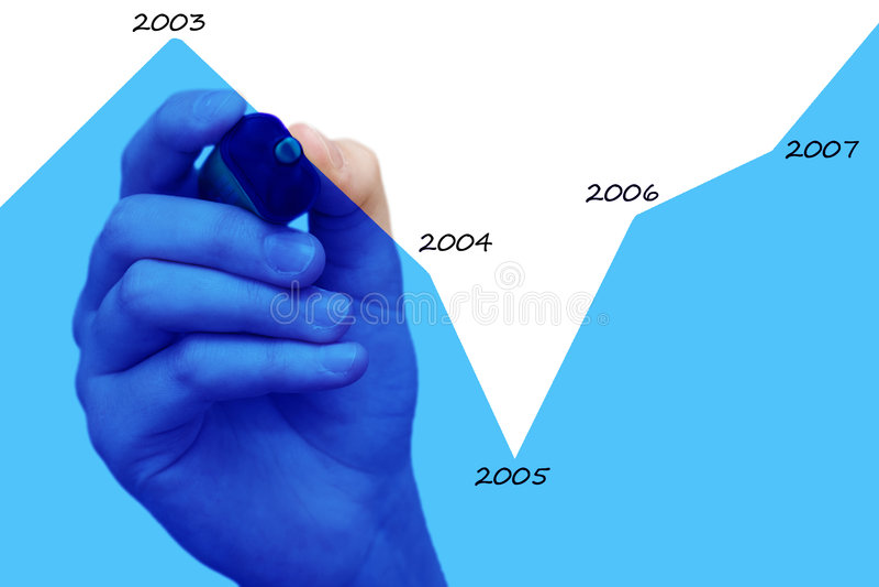 Mano che traccia diagramma blu fotografia stock