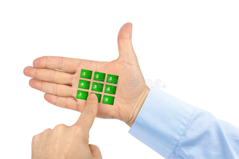 Mano con i bottoni virtuali del telefono fotografie stock libere da diritti