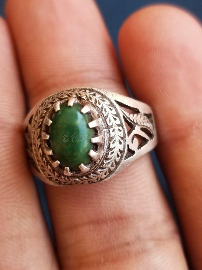 Mano de anillo hecha para hombres fotos de archivo