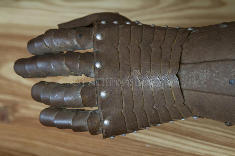 Download Mano de hierro imagen de archivo. Imagen de caballero - 44853923