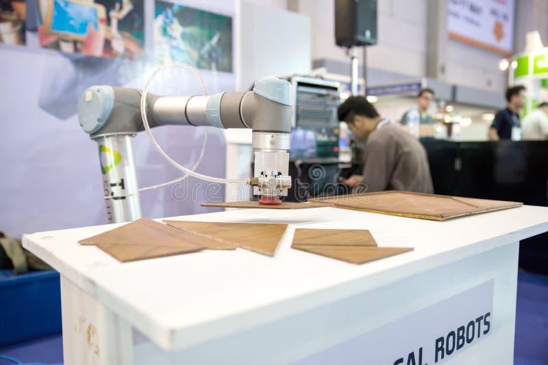 Mano de los robots foto de archivo libre de regalías