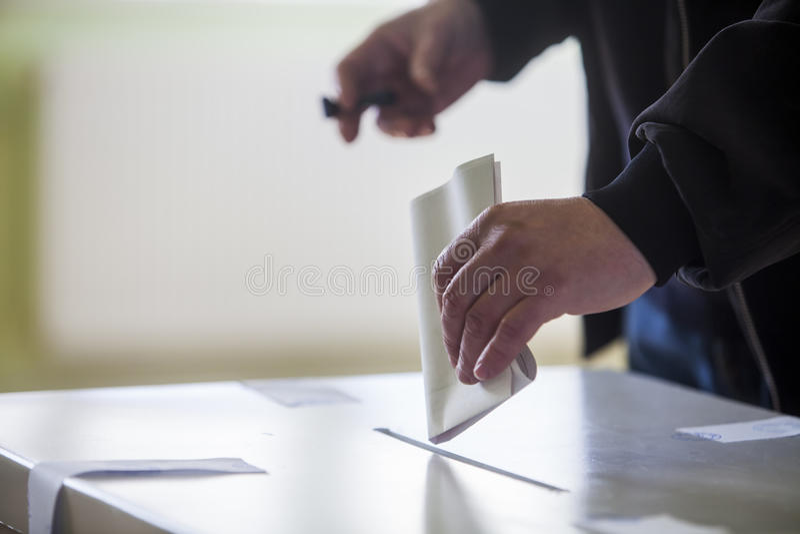 Mano de votación imagen de archivo libre de regalías
