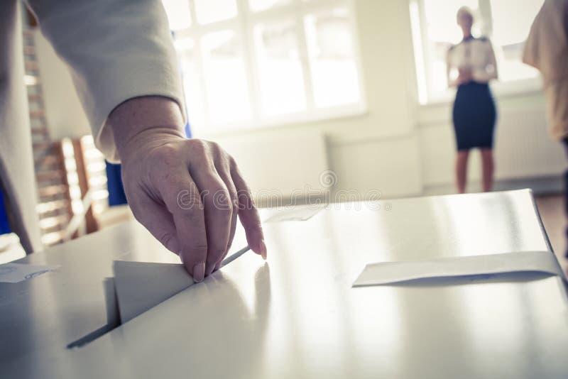 Mano de votación foto de archivo libre de regalías