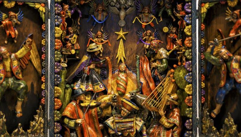 Mano del detalle de la escena de la natividad tallada imagenes de archivo