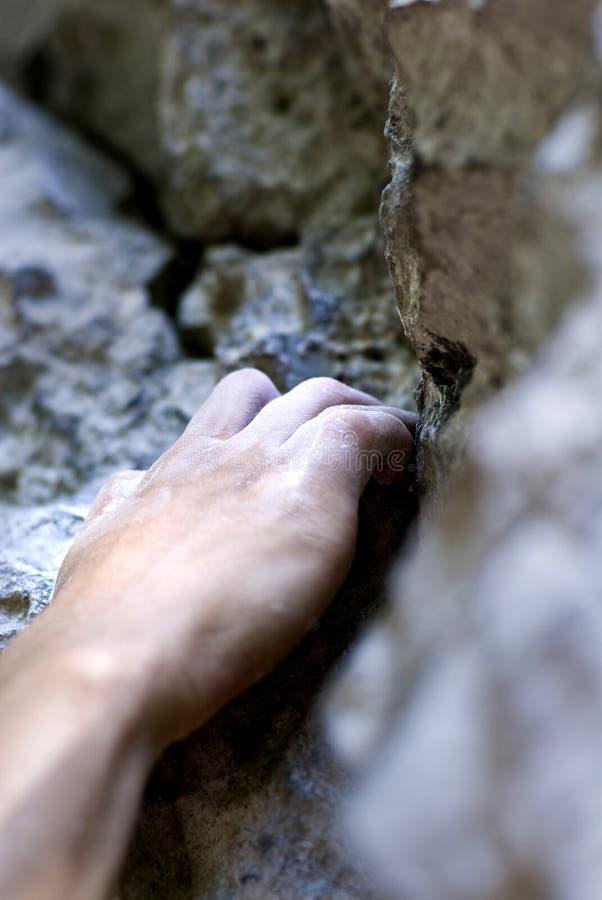 Mano dello scalatore fotografie stock libere da diritti