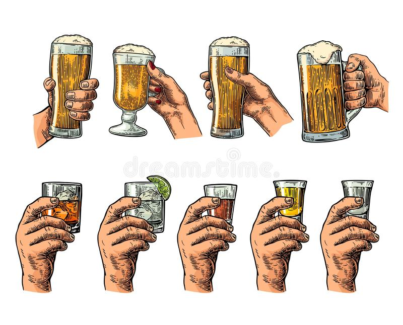 Mano maschio che tiene i vetri con birra, la tequila, la vodka, il rum, il whiskey ed i cubetti di ghiaccio illustrazione vettoriale