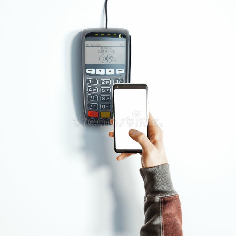 Mano, telefono cellulare con il terminale di pagamento di posizione e dello schermo in bianco rappresentazione 3d illustrazione vettoriale