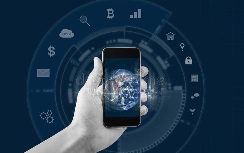 Mano usando smartphone móvil con la conexión de red global Iconos móviles de la conexión a internet y de la aplicación móvil Elem ilustración del vector