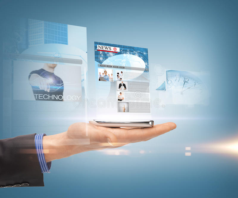 Mano y smartphone con noticias imagenes de archivo