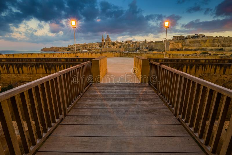 Manoel Island, Malta - entrata di bello Manoel forte con la cattedrale del ` s di StPaul fotografia stock