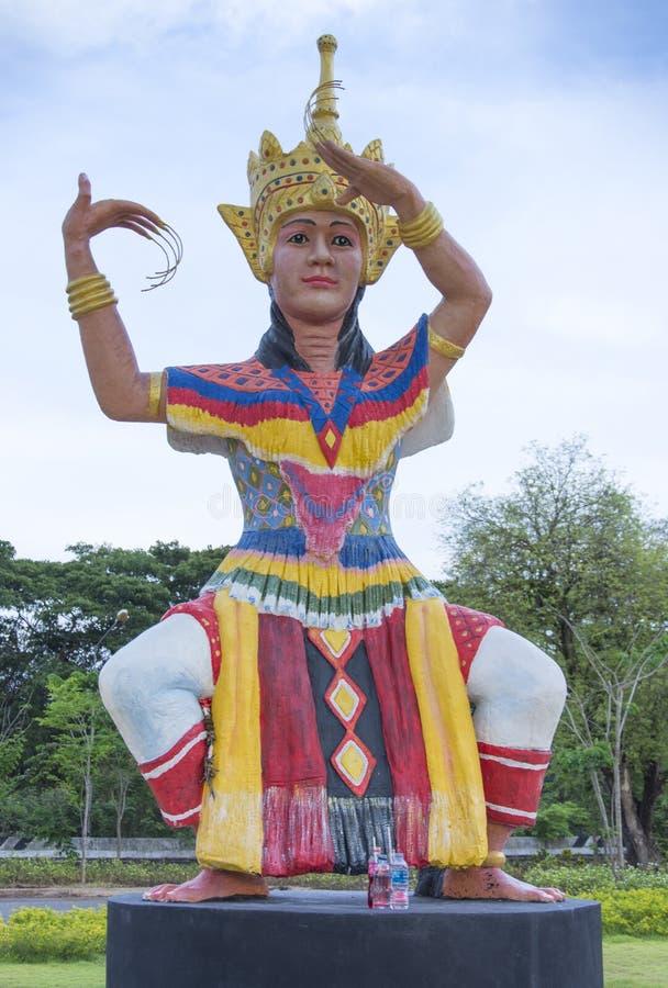 Manohra staty p? Phatthalung, Thailand royaltyfri foto