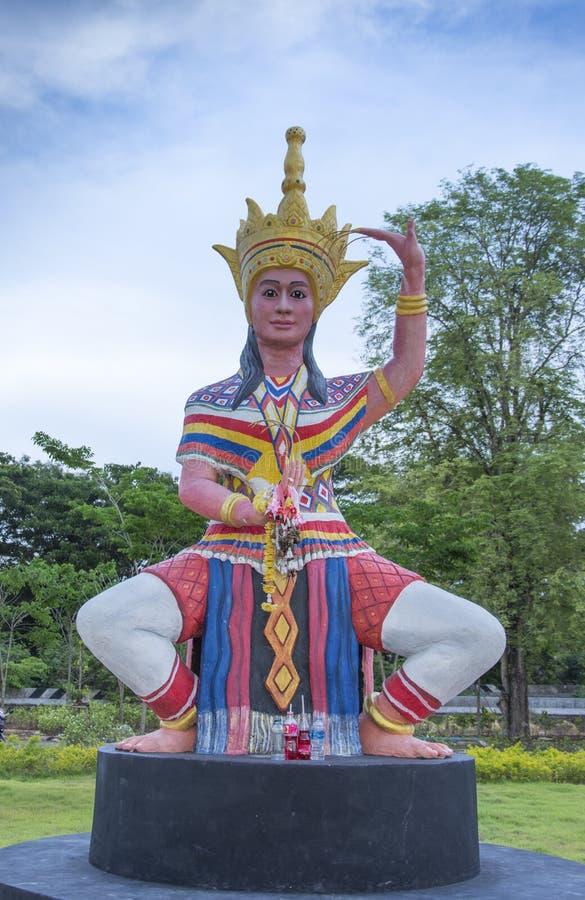 Manohra staty p? Phatthalung, Thailand arkivbilder