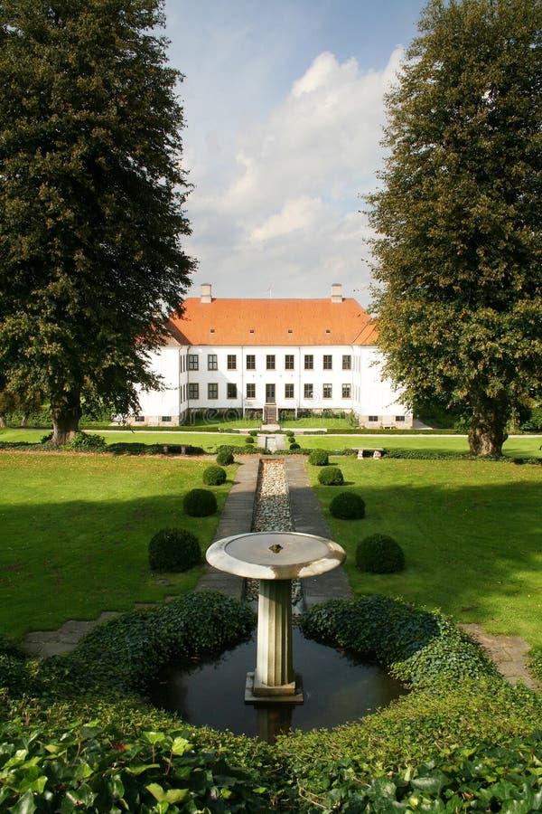 Manoir de jardin de château image libre de droits