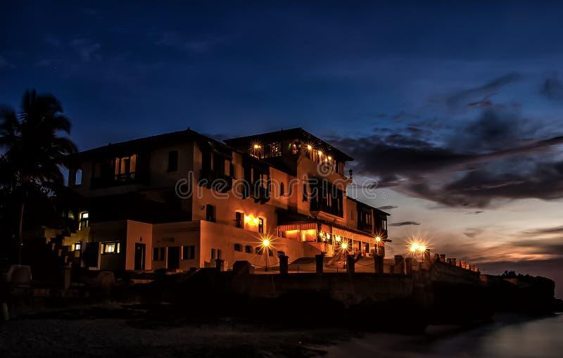 Manoir de Xanadu à Varadero, Cuba, au crépuscule photos stock