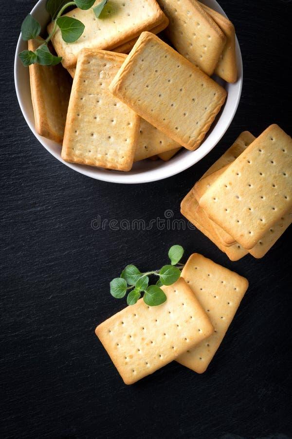 manojo de galletas saladas foto de archivo