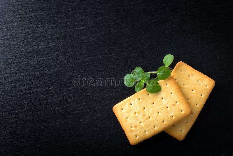 manojo de galletas saladas imágenes de archivo libres de regalías