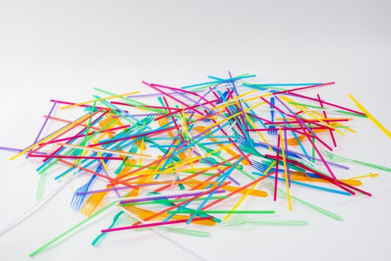 Manojo de paja tóxica colorida caótico lanzada en el piso imágenes de archivo libres de regalías