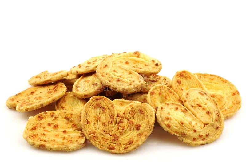 Manojo de pretzeles del queso imagen de archivo