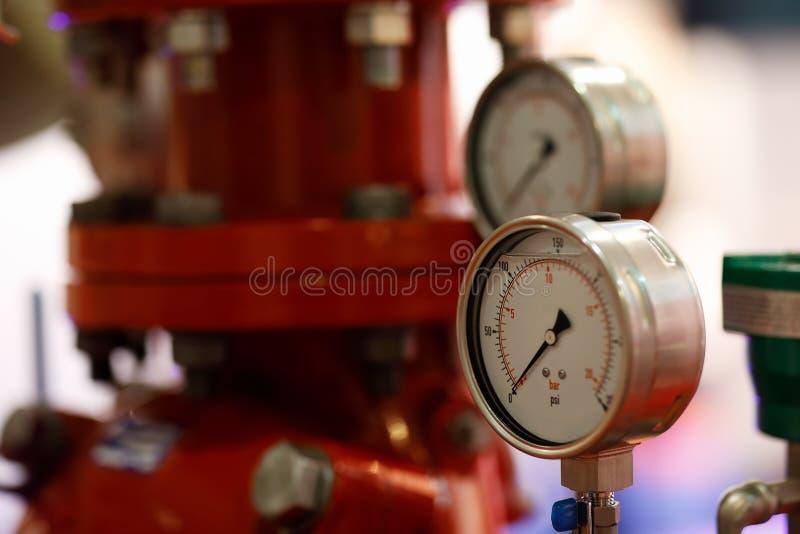 Manometers en pomp voor brandblussysteem royalty-vrije stock afbeeldingen