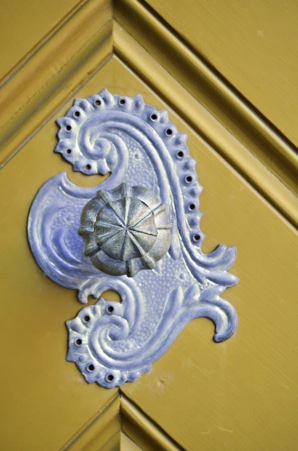Manopola di porta antica immagini stock