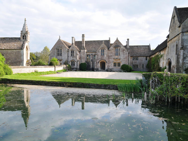 Download Manor House Exterior And Grounds Royalty Free Stock Images - Image: 14296369