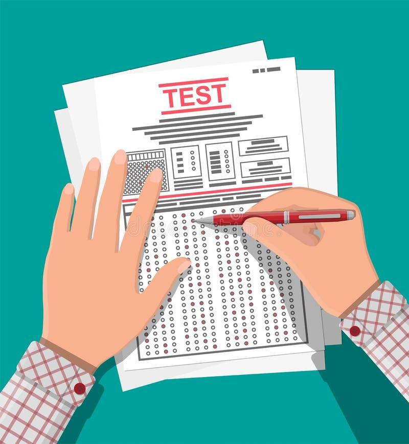 Manos con los formularios de la encuesta sobre o del examen el terraplén de la pluma libre illustration