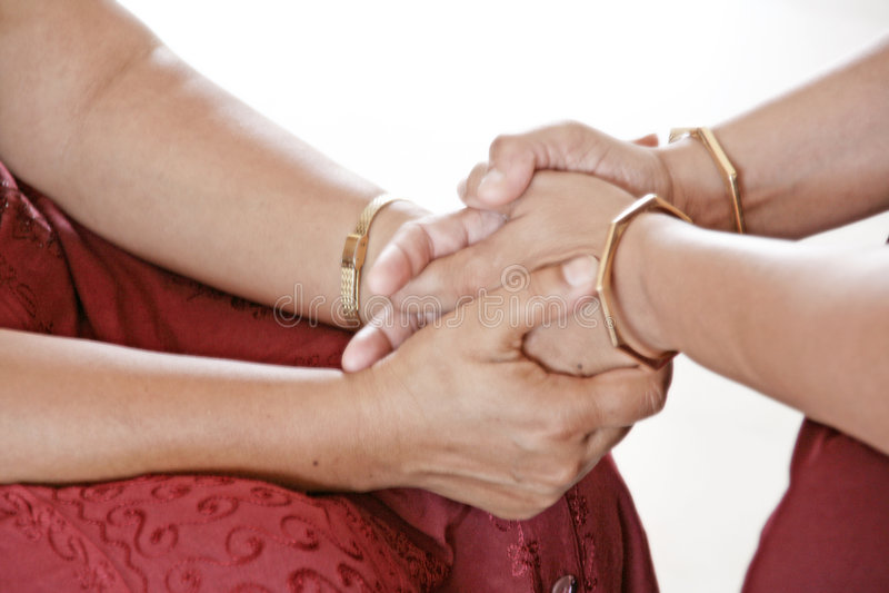 Manos curativas del amor meditativo 2 fotos de archivo libres de regalías