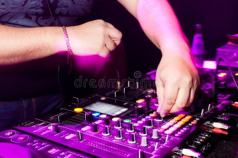 Manos de DJ foto de archivo libre de regalías