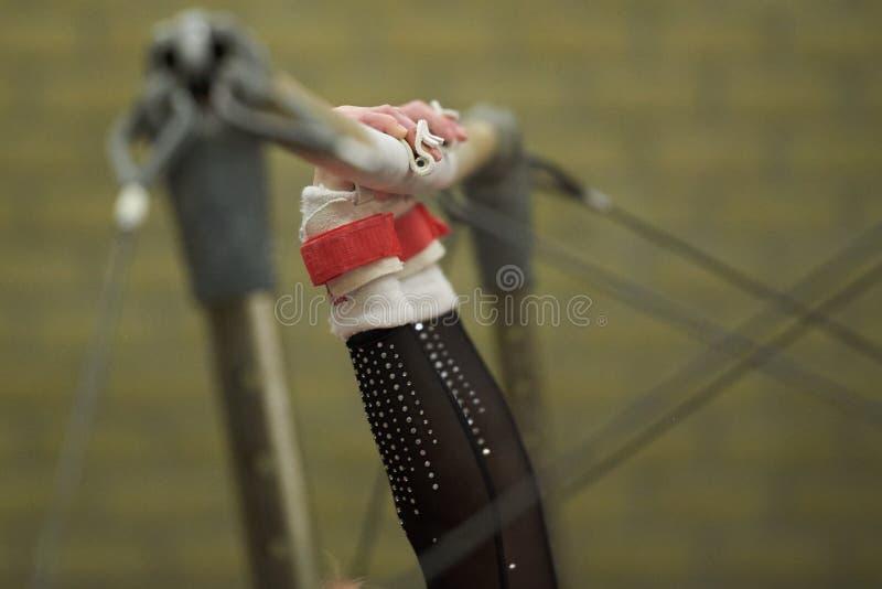Manos de la gimnasia fotos de archivo libres de regalías
