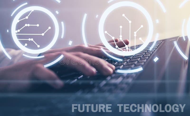 Manos que pulsan en el teclado Concepto futuro de la tecnolog?a libre illustration
