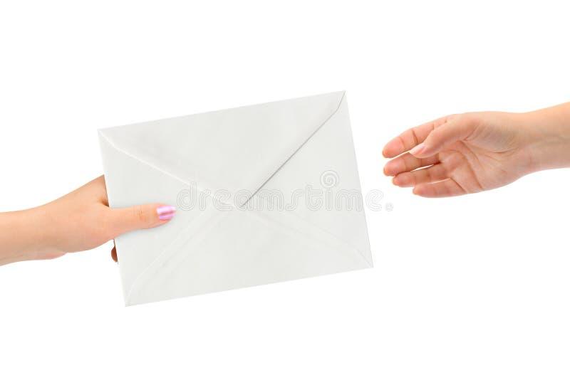 Manos y carta fotografía de archivo libre de regalías