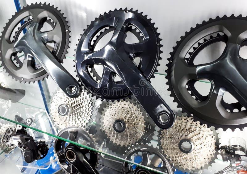 Manovella della bicicletta e cassetta posteriore immagini stock libere da diritti