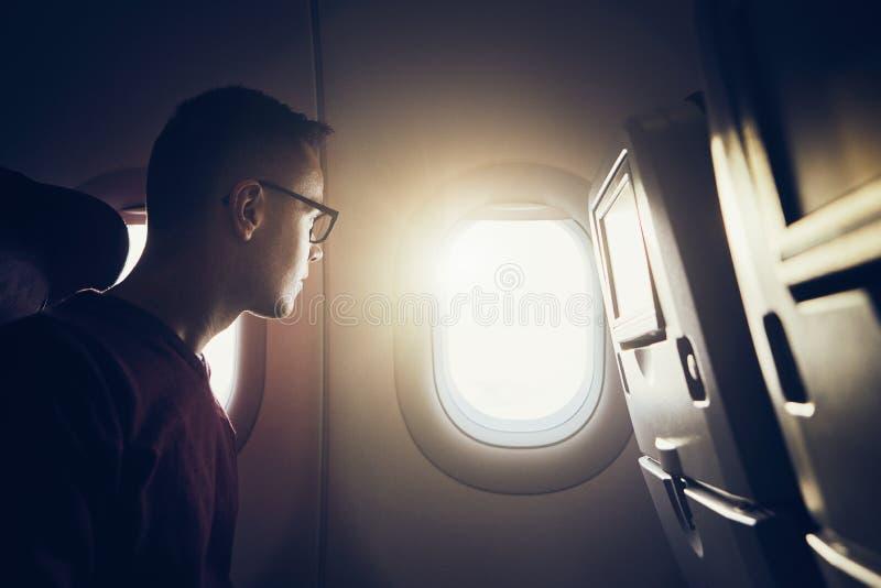 Manresande med flygplanet arkivbilder