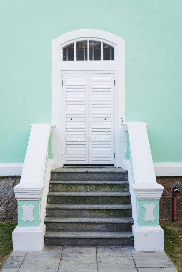 Mansão colonial portuguesa da arquitetura na porcelana de macau fotografia de stock royalty free