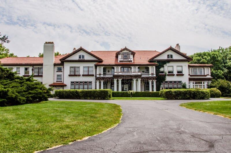 A mansão da propriedade de Longview imagens de stock royalty free
