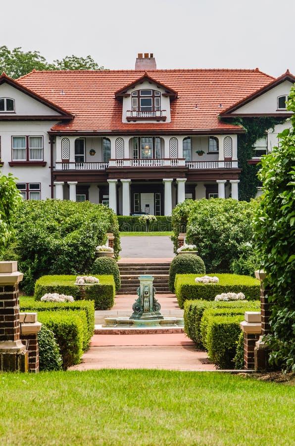 A mansão da propriedade de Longview imagens de stock