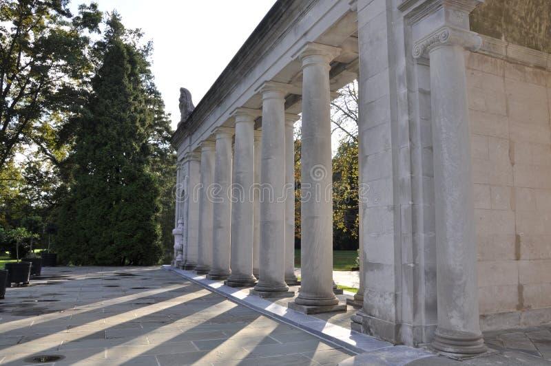 Mansão e jardins de Du Pont foto de stock royalty free