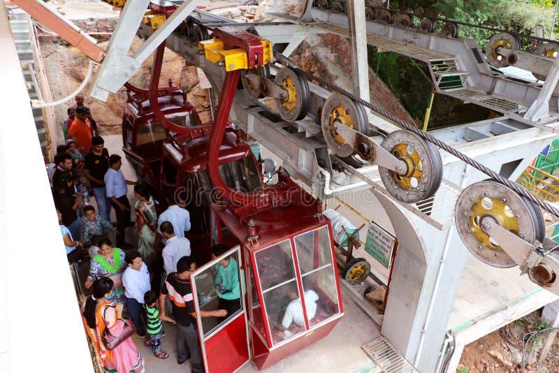 Mansapurna Karni Mata Ropeway Trolley, Udaipur foto de archivo libre de regalías