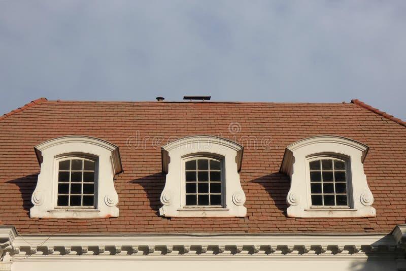 Mansardenfenster stockfotografie