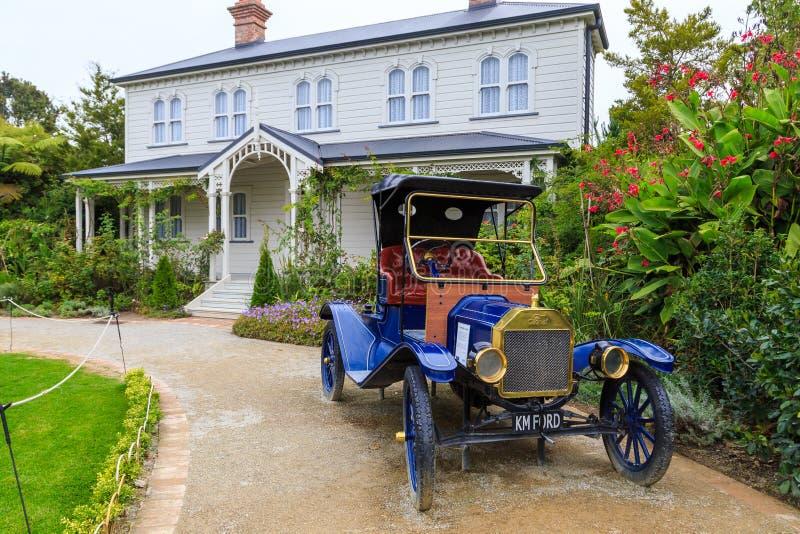 Mansfield Garden House and car lizenzfreies stockfoto